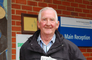 'Singing Paperboy' goes smokefree in his 80th year